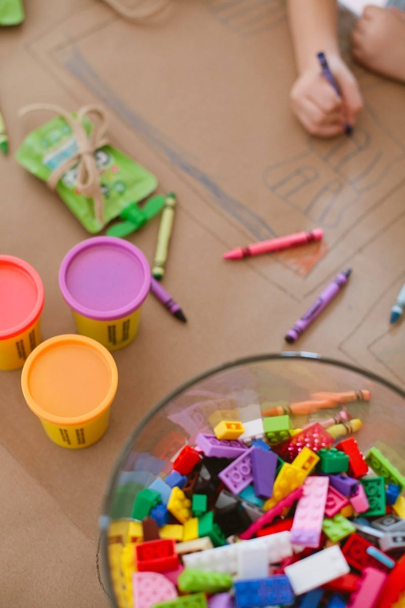 Tips for a Ridiculously Easy Table to Keep Kids Entertained for any Party-17
