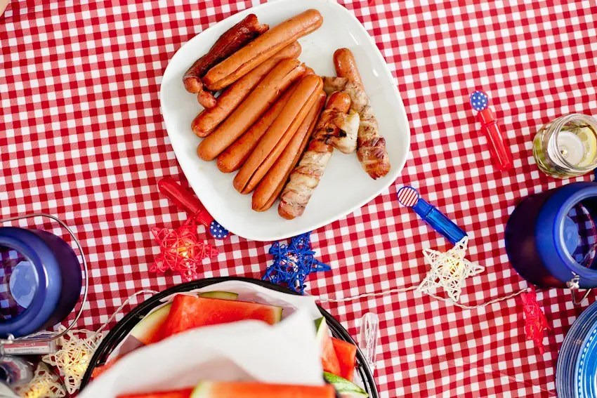 Red White and Blue fun, and a DIY Americana Hot Dog Bar! Set up toppings and flavors for all kinds of hot dogs from around the U.S. Chicago style, Boston, Detroit, Philly, Carolina hot dog and more!