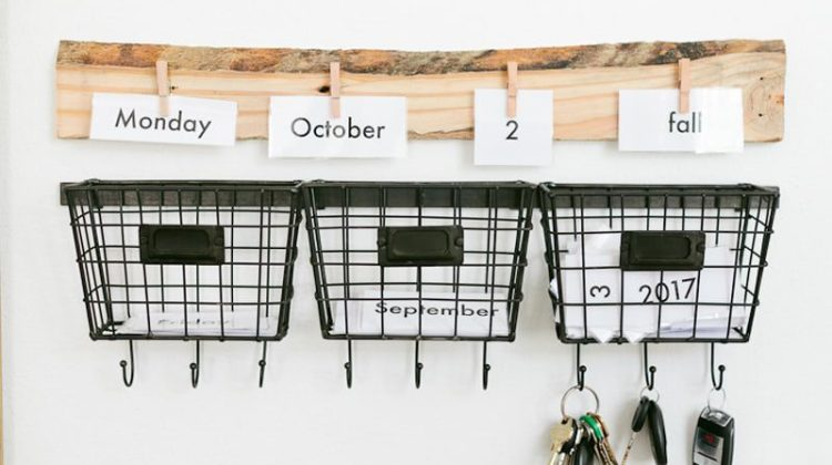 HOW TO DIY Learning and Educational Home Wall Calendar