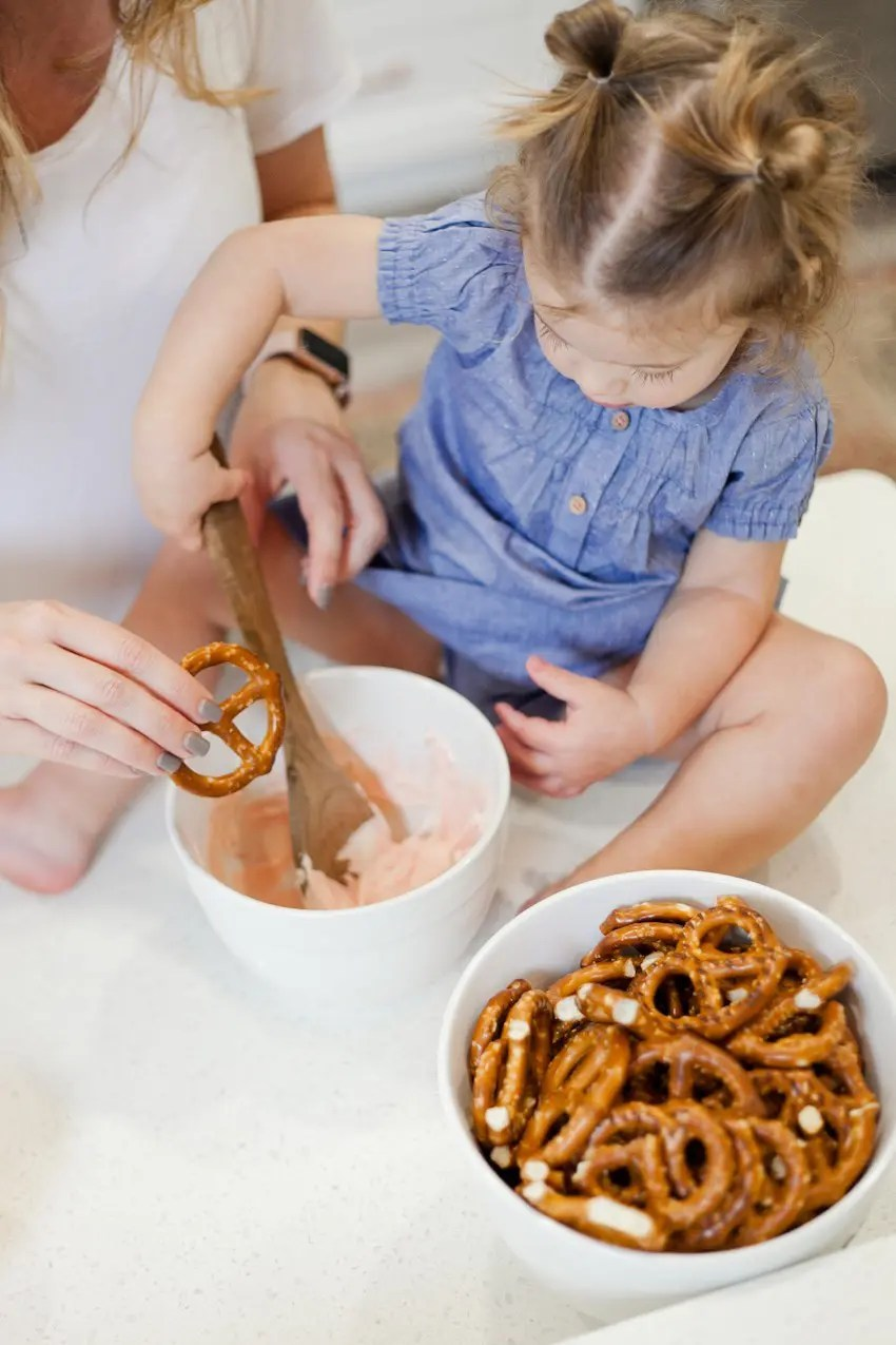 Valentines Day Lovely Chocolate Dipped Pretzels Fresh Mommy Blog