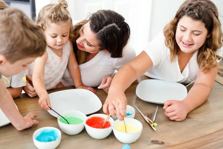 Make Learning Fun with this Edible Finger Paint! Just two simple ingredients from your kitchen will allow for so much creative learning and free play for your family. Kids love it! Perfect for homeschool, preschool, classroom activities and more.