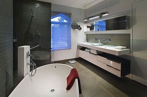 beverly house modern minimalist design 3 Beverly House in Toronto Has a Modern Minimalist Interior