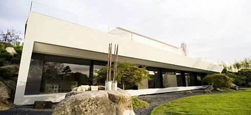 modern house in somosaguas spain 4 Awesome Sculptural Home in Somosaguas : Spain