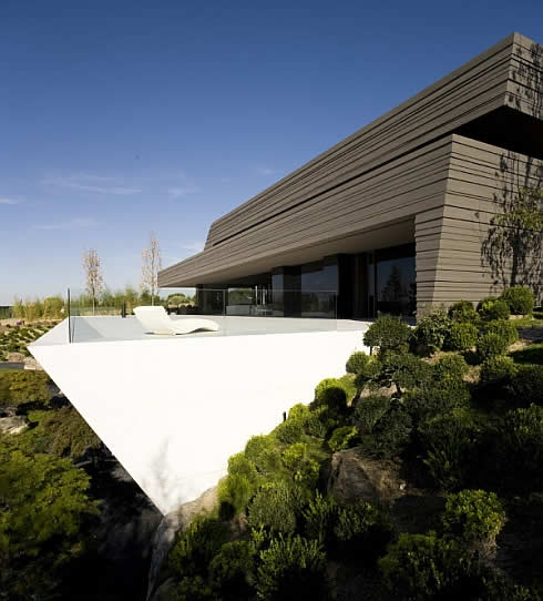modern house in somosaguas spain 5 Awesome Sculptural Home in Somosaguas : Spain