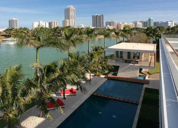 villa okto18 Wonderful Otko Villa on a Private Island in Miami Beach, Florida for Sale