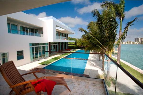 villa okto2 Wonderful Otko Villa on a Private Island in Miami Beach, Florida for Sale