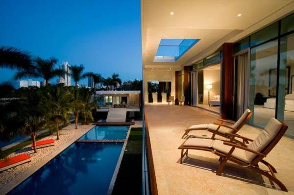 villa okto5 Wonderful Otko Villa on a Private Island in Miami Beach, Florida for Sale