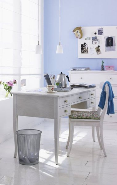 white color interior design11 Decorating White Spaces by Adding a Delicate Touch of Color