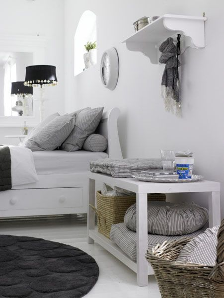 white color interior design5 Decorating White Spaces by Adding a Delicate Touch of Color
