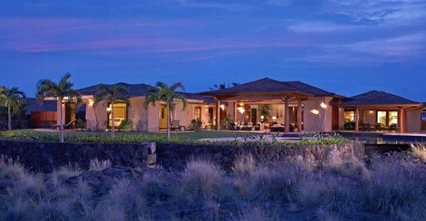 hualalai luxury home design exterior 554x288 Luxury Home in Hualalai