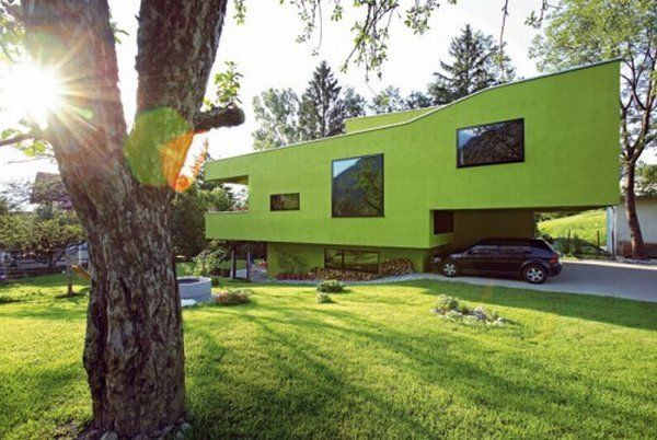 modern green house coloring playful boxes architecture The Treehouse, Unusual Architecture Desguised by Nature