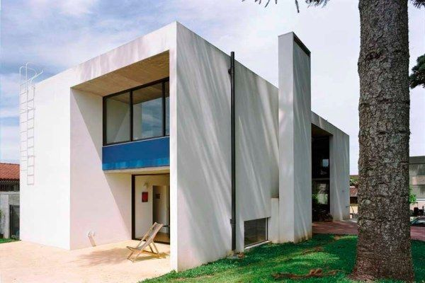 casa curitiba u030210 nk71 Beautiful White Villa in Brazil by Una Arquitetos