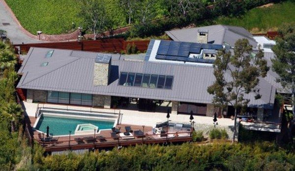 jennifer aniston house2790123 Jennifer Anistons New Eco Abode in Beverly Hills