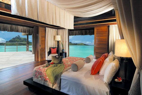 cool bedroom view 23 Amazing Bedrooms with a Panoramic View of the Ocean