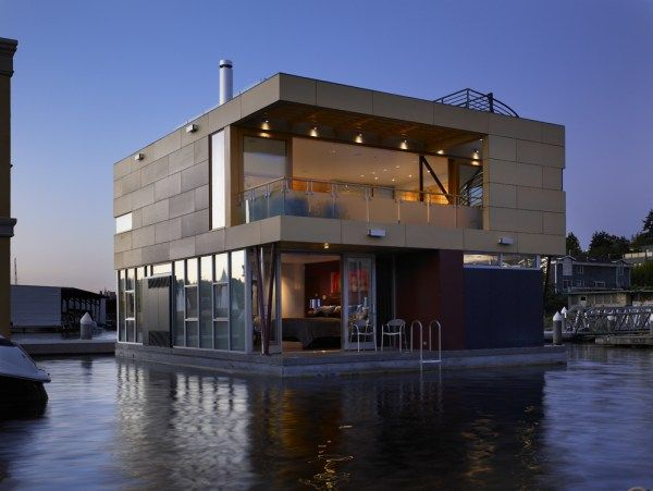 Contemporary Floating Home in Seattle