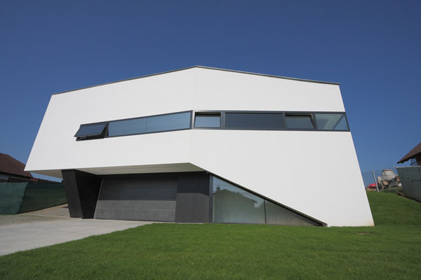 Dom Zlomu, an Original Architecture Project in Slovakia