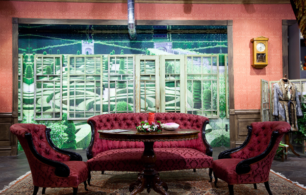 Mood Swings bohemian Apartment Store in Moscow Inspired by Alice in Wonderland
