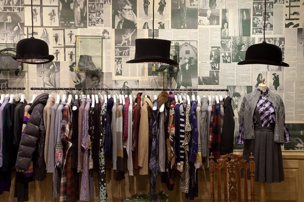 MoodSwings clothes Apartment Store in Moscow Inspired by Alice in Wonderland