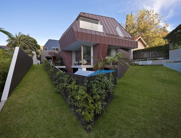 MCKGin17 Spectacular Pool Home Offering a Diversity of Perspectives: DPR House
