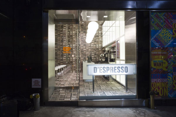 despresso 081010 05 940x626 Creative Café Design Inspired by a Library in New York