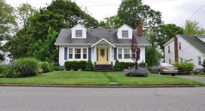 What Classifies A House Style Makes Bungalow Home