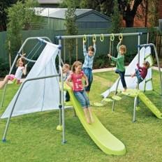 Manfred Mega Mantis Playground