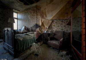 Inside Abandoned Haunted Houses