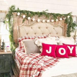 Awesome Christmas Bedroom Design 41