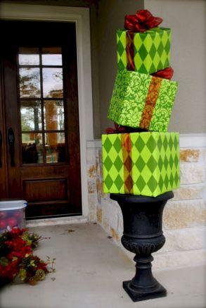 Christmas Porch Decorating Design