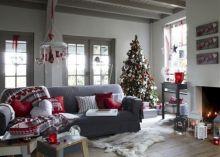 Living Room Christmas Decoration Idea