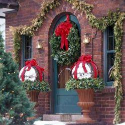 Outdoor Christmas Decorating Idea