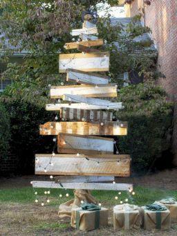 Outdoor Christmas Tree Decorating Ideas