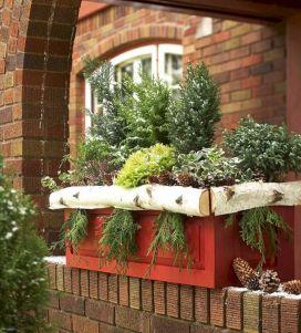 Outdoor Window Christmas Decorating Ideas