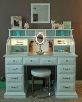 DIY Makeup Vanity Design Ideas 20