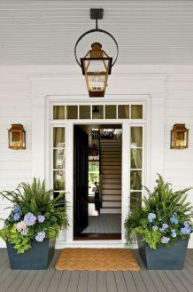 Gorgeous Farmhouse Front Porch Ideas 121