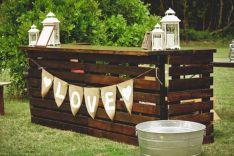 DIY Outdoor Pallet Bar