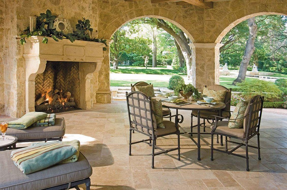 Backyard Living Space Design Ideas 11