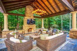 Backyard Living Space Design Ideas 18