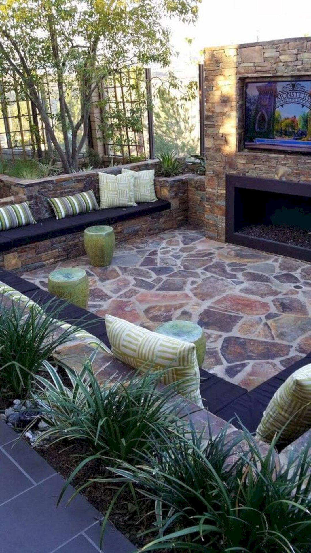 Backyard Living Space Design Ideas 3