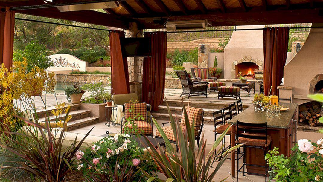 Backyard Living Space Design Ideas 7
