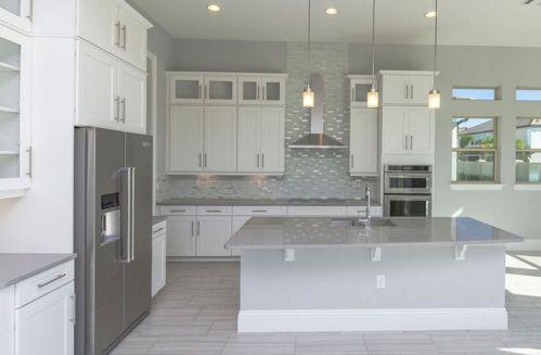 Contemporary White Kitchen Backsplash 116