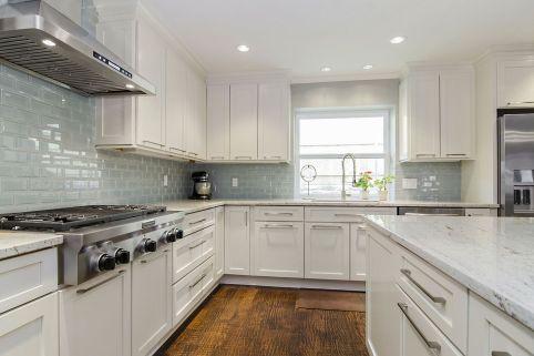 Contemporary White Kitchen Backsplash 18