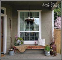 Tiny Front Porch Decorating Ideas 11