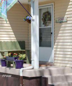 Tiny Front Porch Decorating Ideas 12