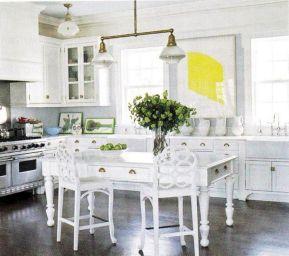 Coastal Farmhouse Kitchen Design 25
