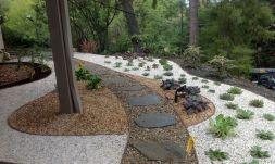 Gravel Backyard Design Ideas 8