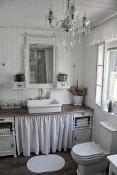 Chic Bathroom Ideas 16