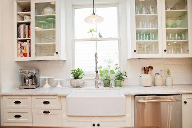 White Farmhouse Kitchen Ideas 11