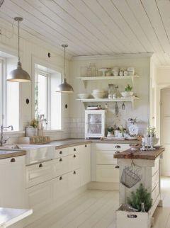 White Farmhouse Kitchen Ideas 13