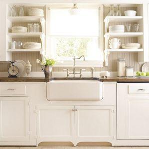 White Farmhouse Kitchen Ideas 14
